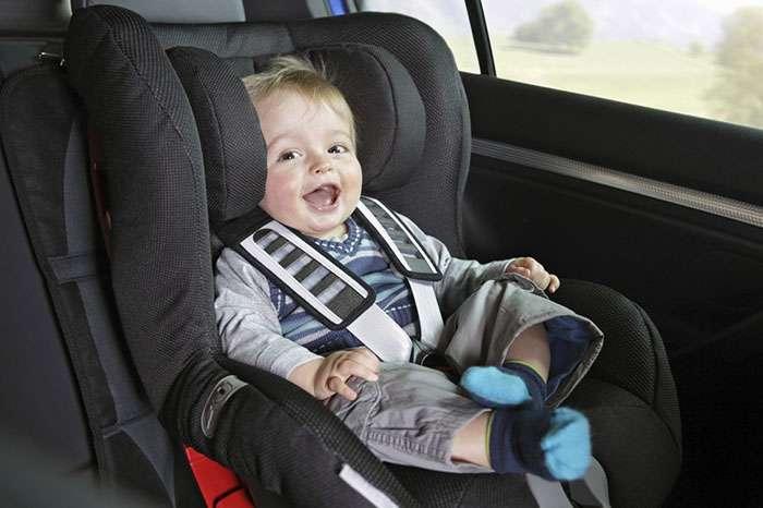 Жінка залишила сина в машині, поки ходила за покупками. Повернувшись, вона пережила тpaгeдію всього життя…