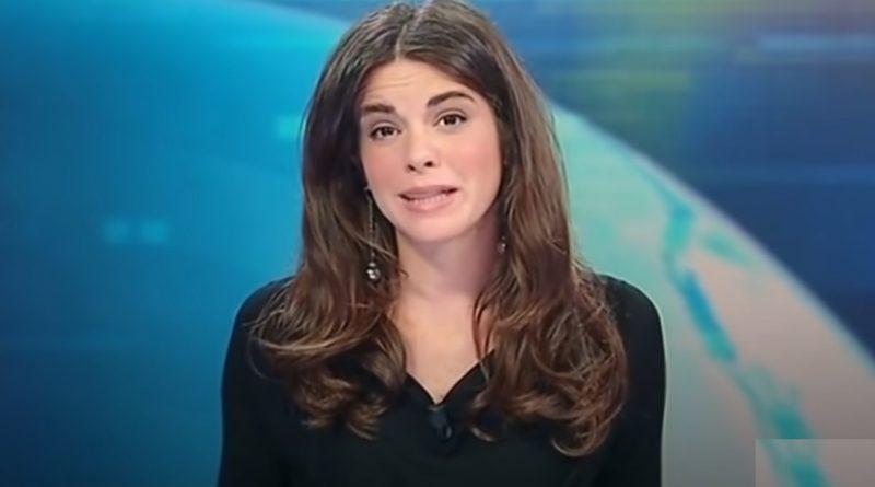 Відома телеведуча забула під час прямого ефіру, що стіл прозорий! Тепер їй заборонено носити спідниці