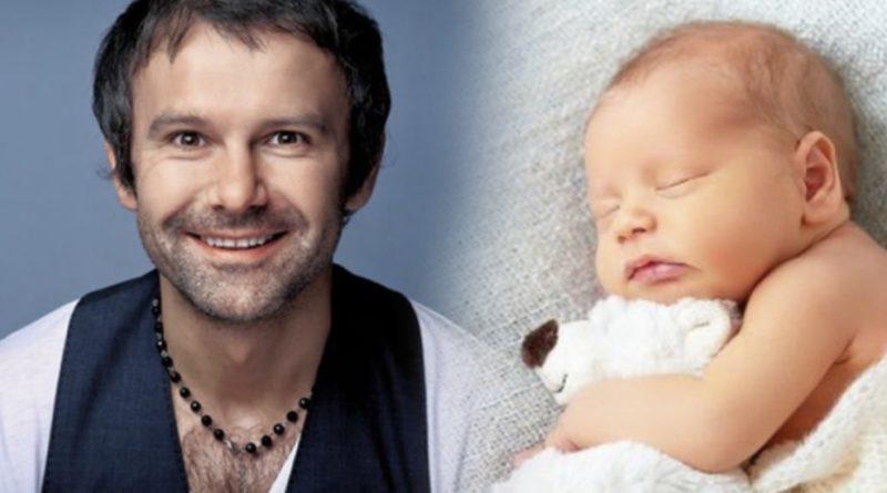 Привітайте мене, я найщасливіший батько у світі, щойно у мене народився синочок – Святослав Вакарчук