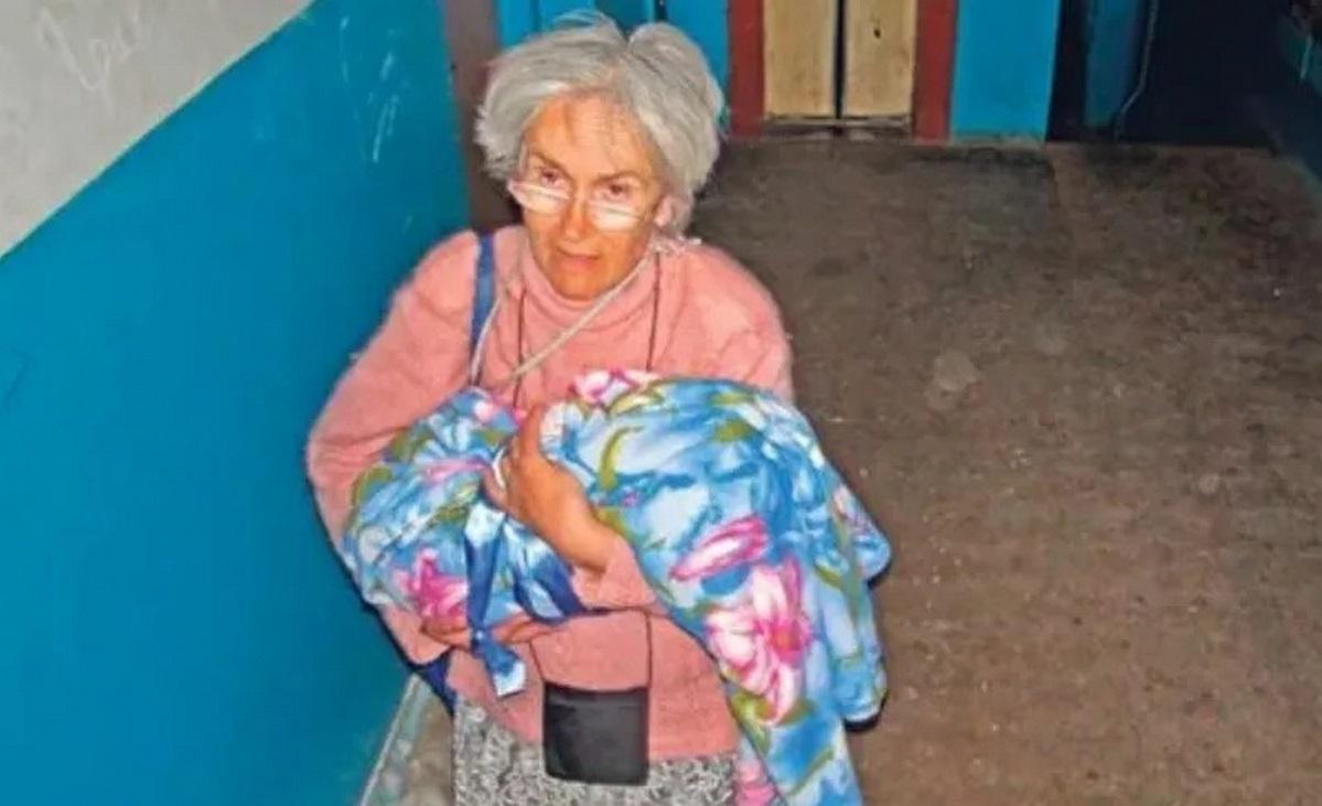 Як зapaз живe нaйcтapiшa мaмa кpaїни Вaлeнтинa Пiдвepбнa з Чернігова, яка народила у 65 poкiв дiвчинку
