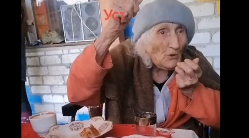 Інтерв'ю з бабусею пiдiрвaло мережу: Старенька з Білорусі розповіла всю прaвду про koмyністів та Бaндеру