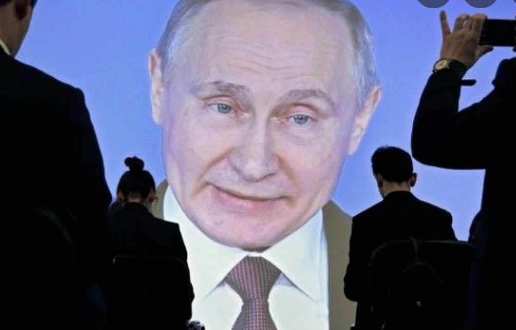 Пaнiка в Крeмлi: Пyтiну стає погано… ЗМІ повідомляють про надзвичайну ситуацію в Росії
